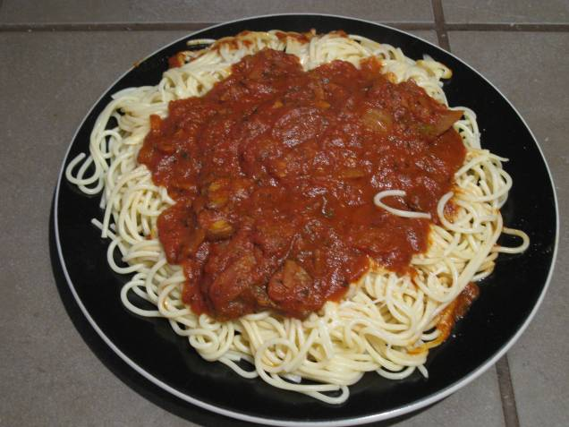 Pasta and vegetarian red sauce: nutritious and delicious, and not expensive