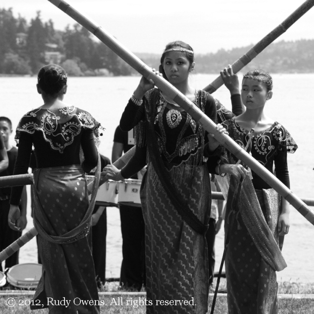 girls-and-bamboo-B&W