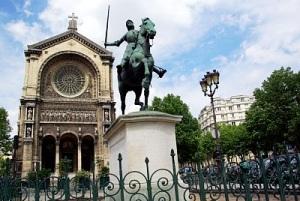 Joan statue